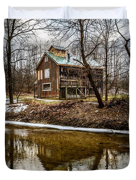Sugar Shack In Deep River County Park Duvet Cover by Paul Velgos