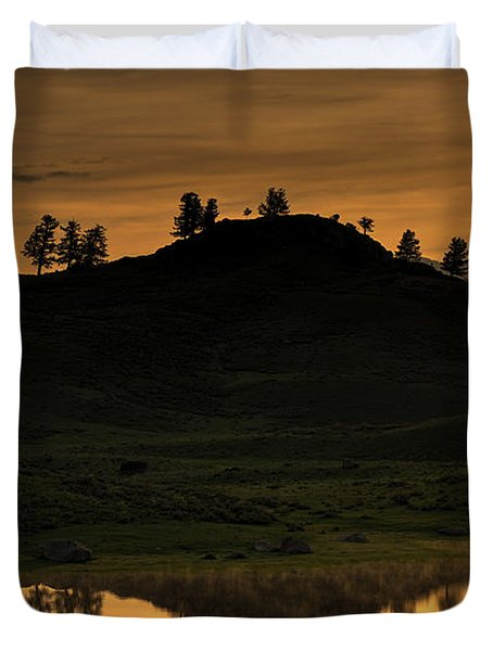 Duvet Cover featuring the photograph Sunrise Behind A Yellowstone Ridge by Bill Gabbert