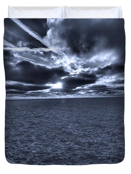 Sunset In The Arctic Duvet Cover by Dan Sproul