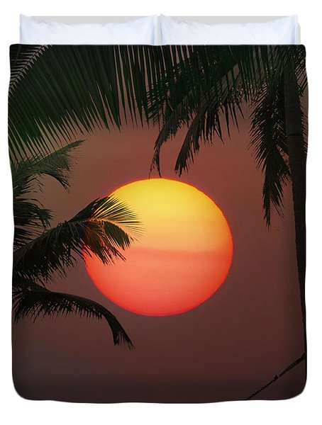 Sunset In The Keys Duvet Cover by Bill Cannon