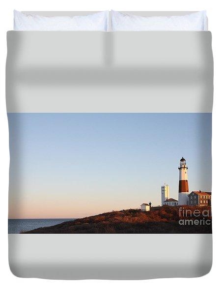 Sunset Over Montauk Lighthouse Duvet Cover by John Telfer