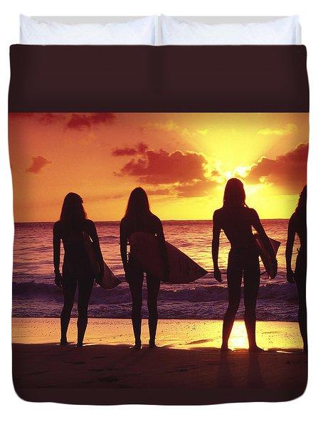 Surfer girl silhouettes Duvet Cover by Sean Davey