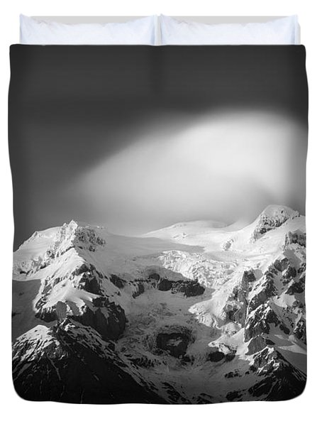 Svinafell Mountains Duvet Cover by Dave Bowman