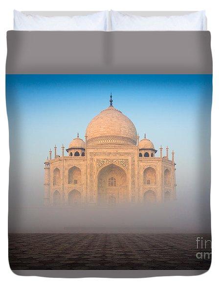 Taj Mahal In The Mist Duvet Cover by Inge Johnsson