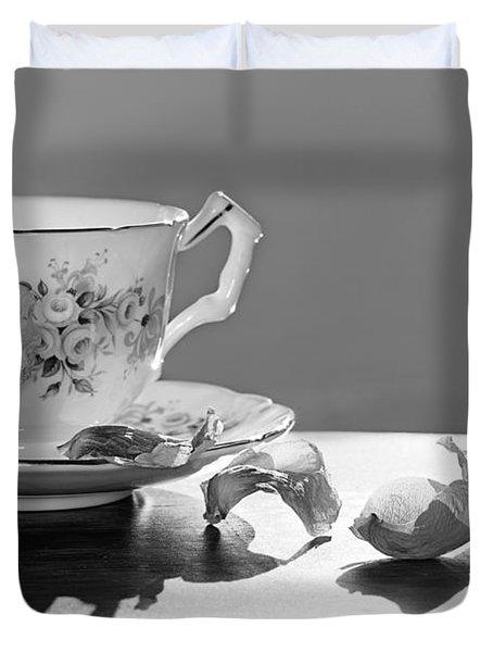 Tea And Roses Still Life Duvet Cover by Lisa Knechtel