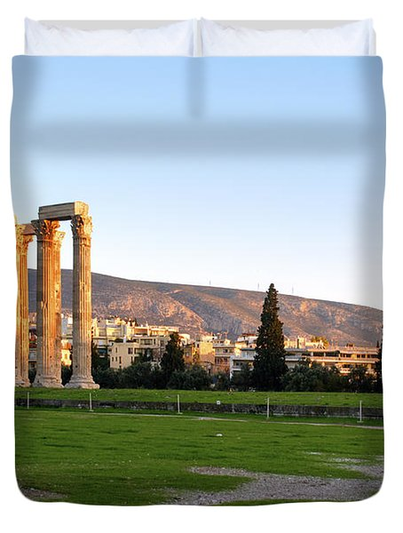 Temple Of Olympian Zeus. Athens Duvet Cover by Ilan Rosen