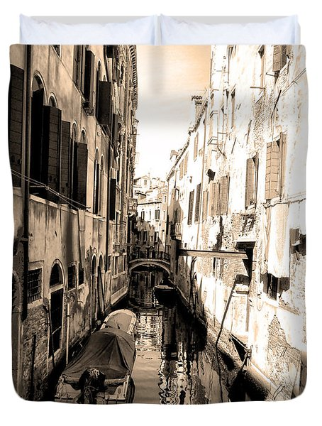 The Back Canals Of Venice Duvet Cover by Pat Cannon