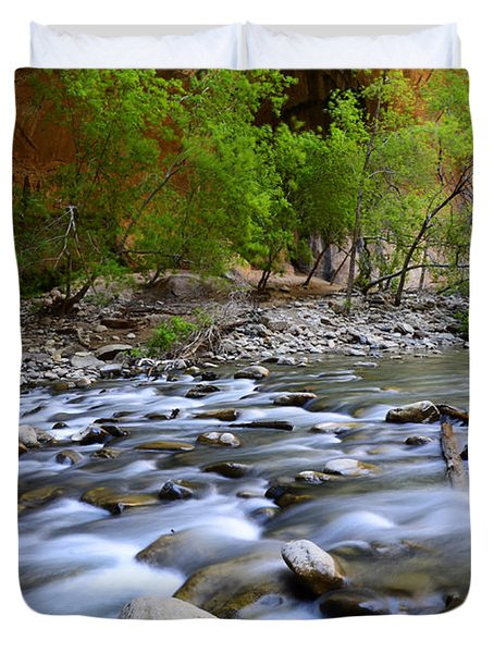 The Narrows A Place To Pause Duvet Cover by Bob Christopher