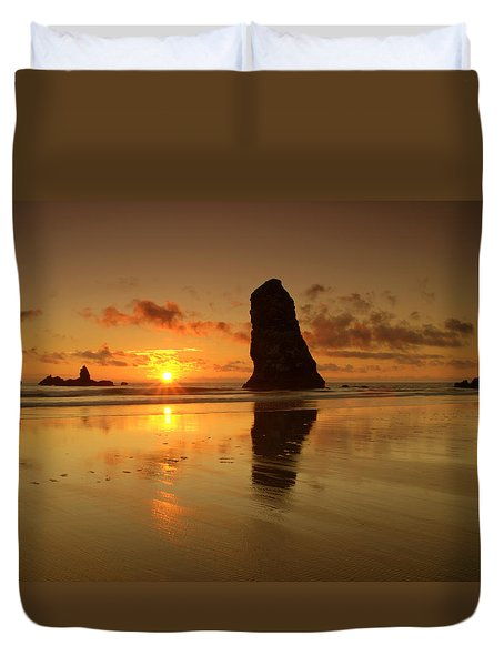 The Needles At Haystack - Cannon Beach Sunset  Duvet Cover by Brian Harig