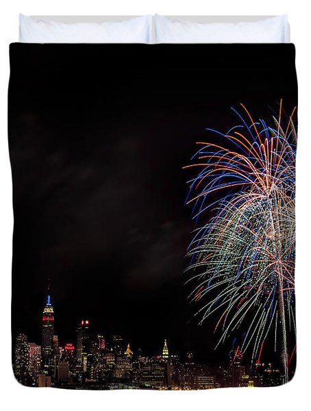 The New York City Skyline Sparkles Duvet Cover by Susan Candelario