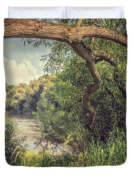 The River Severn At Buildwas Duvet Cover by Amanda Elwell