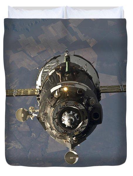 The Soyuz Tma-19 Spacecraft Duvet Cover by Stocktrek Images
