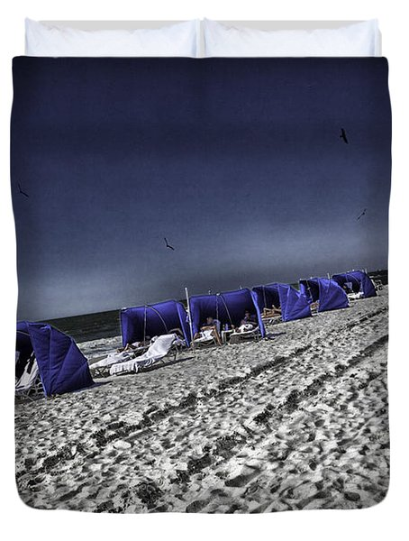 The Vacationers 1 Duvet Cover by Madeline Ellis