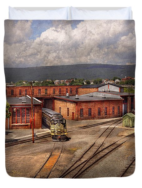 Train - Entering the train yard Duvet Cover by Mike Savad