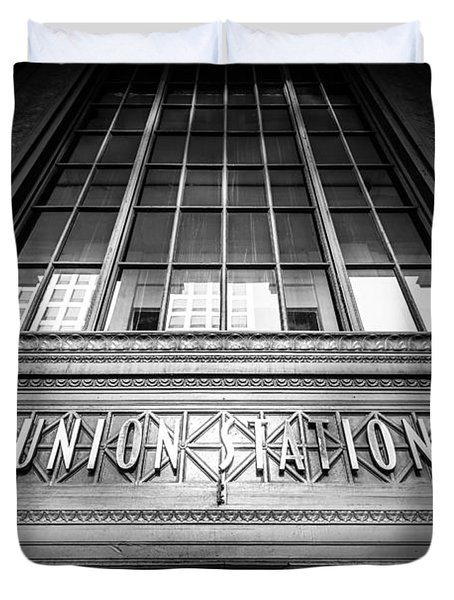 Union Station Chicago In Black And White Duvet Cover by Paul Velgos