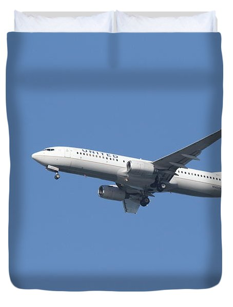 United Airlines Jet 7D21942 Duvet Cover by Wingsdomain Art and Photography