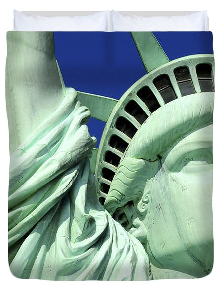 Usa, New York City, Statue Of Liberty � Duvet Cover by Tips Images