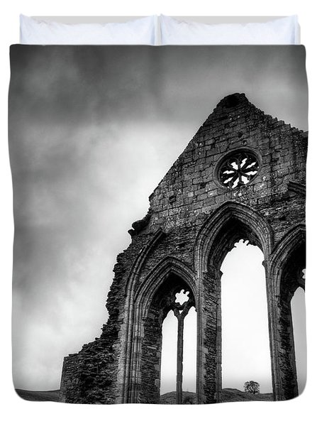 Valle Crucis Abbey Duvet Cover by Dave Bowman
