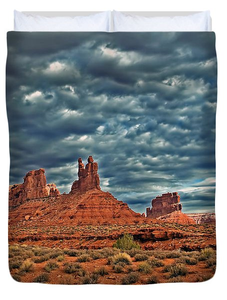 Valley Of The Gods Duvet Cover by Robert Bales