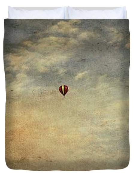 Vintage Hot Air Balloons Duvet Cover by Dan Sproul