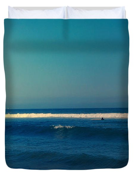 Waiting For The Perfect Wave Duvet Cover by Nina Prommer