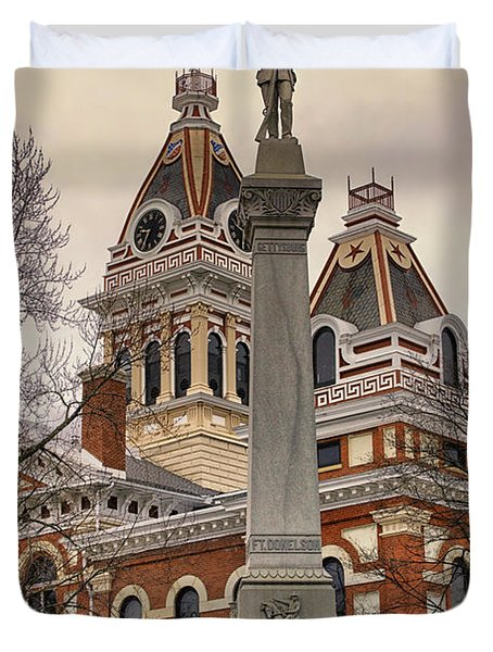 War Memorial Pontiac Il Duvet Cover by Thomas Woolworth