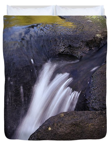 Water Flowing Duvet Cover by Les Cunliffe