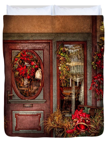 Winter - Store - Metuchen Nj - Dressed For The Holidays Duvet Cover by Mike Savad