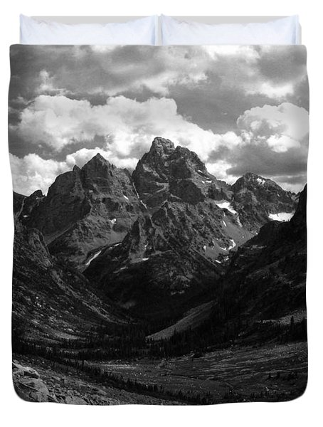 Within The North Fork Of Cascade Canyon Duvet Cover by Raymond Salani III