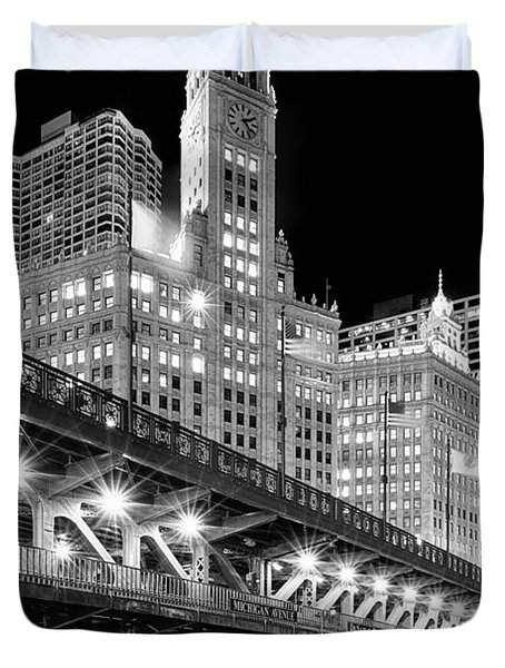 Wrigley Building At Night In Black And White Duvet Cover By Sebastian