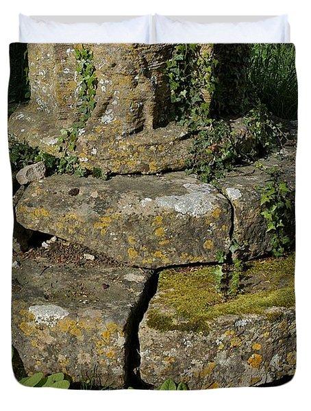 Yarnton Grave Duvet Cover by Joseph Yarbrough