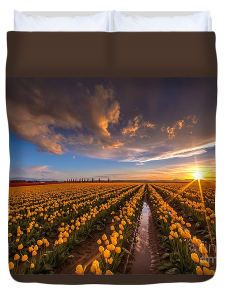 Yellow Fields And Sunset Skies Duvet Cover by Mike Reid