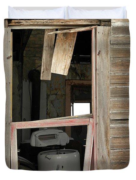 Yesterdays Laundry Duvet Cover by Jeff Swan