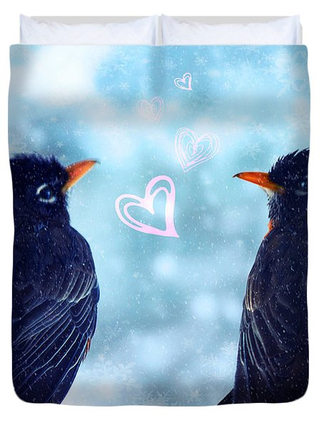 Young Robins In Love Duvet Cover by Lisa Knechtel