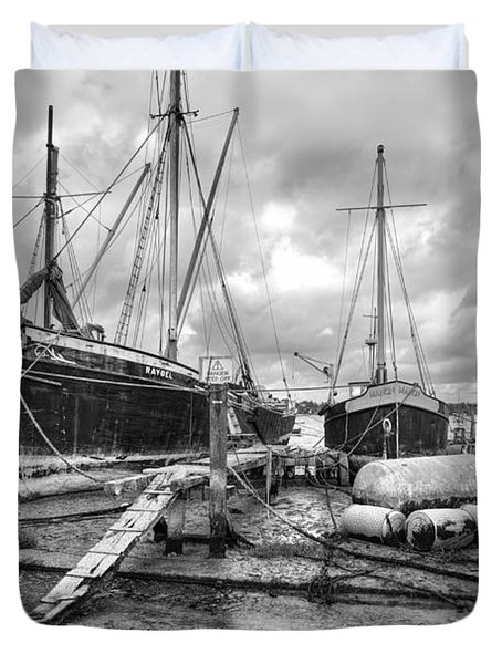 Boats On The Hard Pin Mill Duvet Cover by Gary Eason