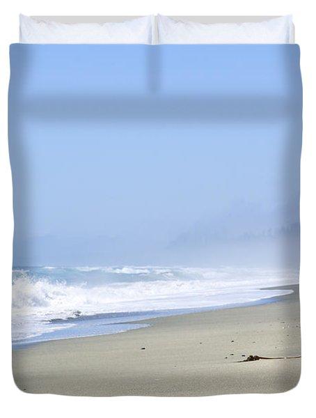 Coast Of Pacific Ocean In Canada Duvet Cover by Elena Elisseeva