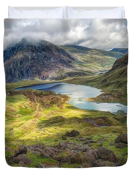 Llyn Idwal Lake Duvet Cover by Adrian Evans