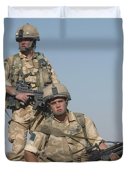 Members Of The British Army On Foot Duvet Cover by Andrew Chittock