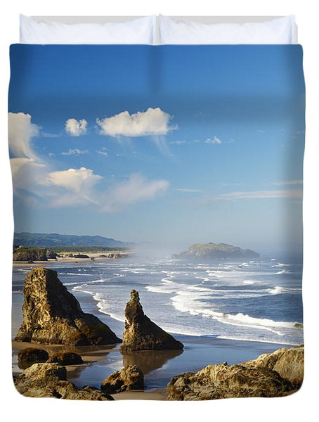 Morning Light Adds Beauty To Rock Duvet Cover by Craig Tuttle