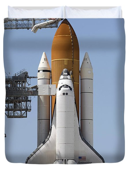 Space Shuttle Endeavour Sits Ready Duvet Cover by Stocktrek Images