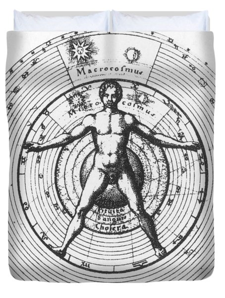 Utrisque Cosmi, Title Page, 1617 Duvet Cover by Science Source