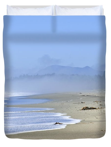 Coast Of Pacific Ocean In Canada Duvet Cover by Elena Elisseeva