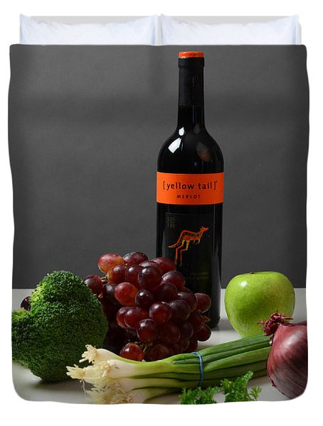 Foods Rich In Quercetin Duvet Cover by Photo Researchers, Inc.