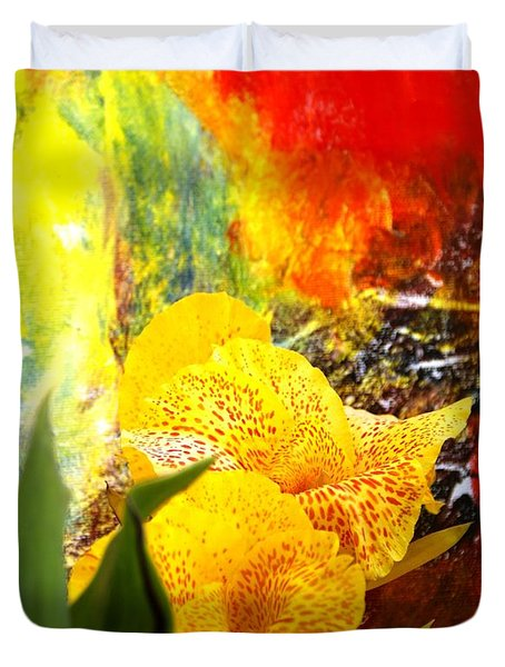 FLOWERS AND ART Duvet Cover by Geegee W