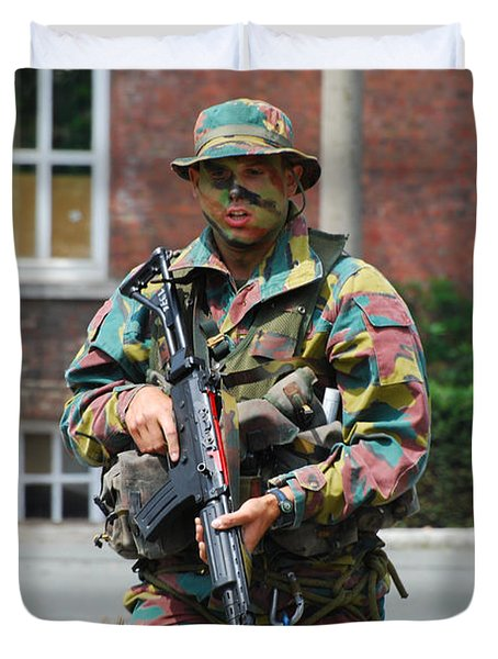 A Paratrooper Of The Belgian Army Duvet Cover by Luc De Jaeger