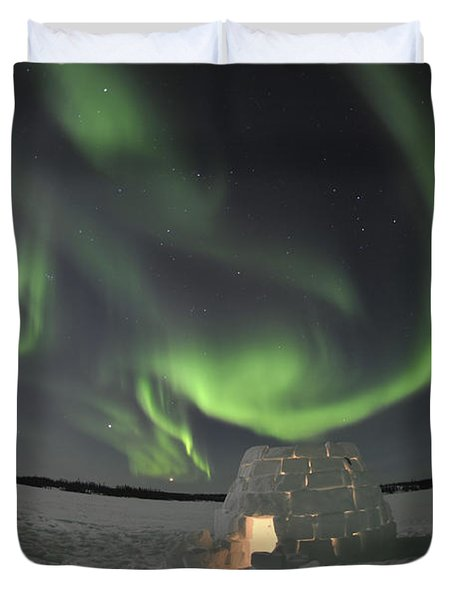 Aurora Borealis Over An Igloo On Walsh Duvet Cover by Jiri Hermann