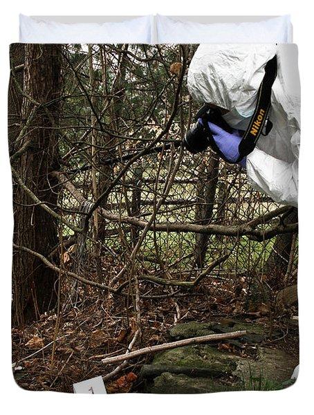 Criminal Investigation Duvet Cover by Photo Researchers, Inc.