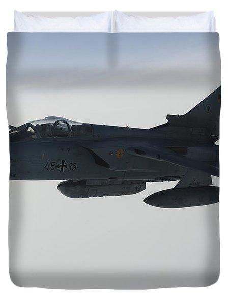 A Luftwaffe Tornado Ids Refueling Duvet Cover by Gert Kromhout