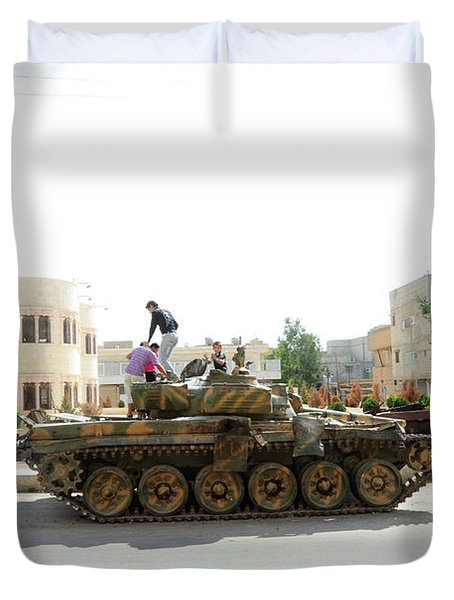 A T-72 Main Battle Tank On The Streets Duvet Cover by Andrew Chittock