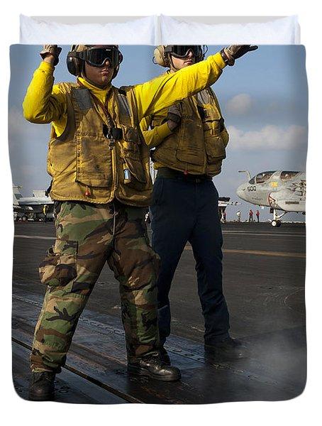 Airmen Direct An Fa-18c Hornet Duvet Cover by Stocktrek Images